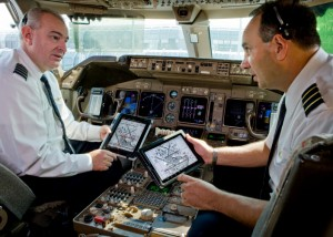 pilots using ipads on flight deck